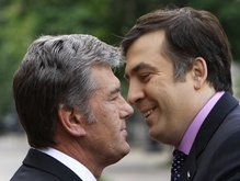 Ющенко срочно отправляется в Тбилиси, фото-1