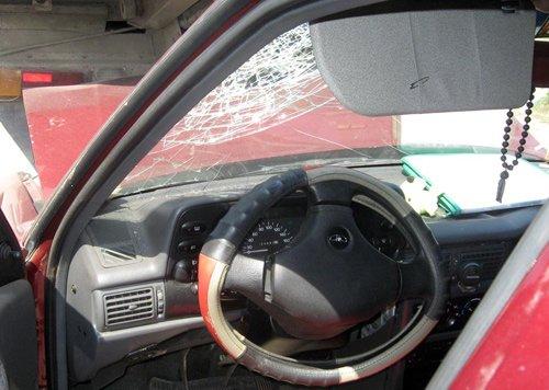 ДТП в Ильичевском районе. Дэу Нексия въехала под грузовик (фото), фото-1