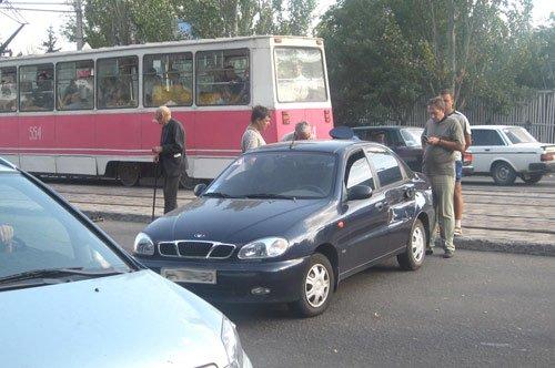На проспекте Ильича столкнулись сразу четыре машины (фото), фото-1
