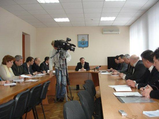 Мариупольские власти экстренно решают, что делать с опасными грузоперевозчиками (ФОТО), фото-1