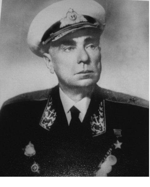 Контр-адмирал Лунин