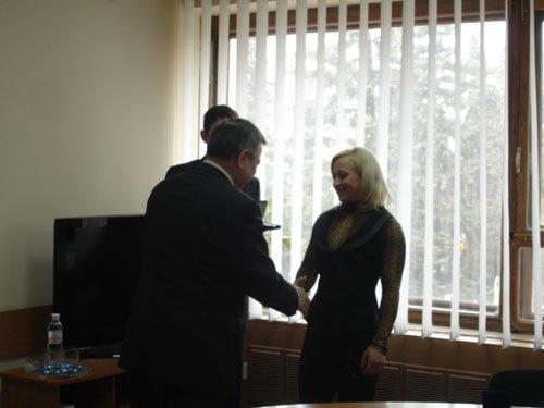 Юлия Калина принимает поздравления городского головы