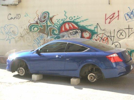 В Мариуполе машины без присмотра оставлять опасно (ФОТО), фото-1