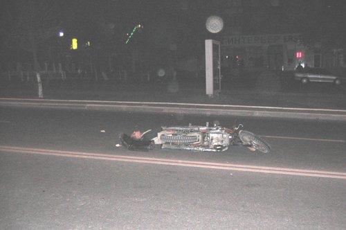 В Мариуполе в ДТП погиб мотоциклист. И продолжают сбивать пешеходов… (ФОТО), фото-1