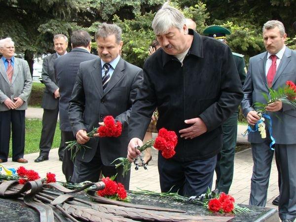 В Мариуполе почтили память жертв политических репрессий. Официально (ФОТО), фото-1