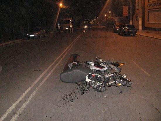 """Авария на ул. Бахчиванджи. Мопед столкнулся с """"тойотой"""""""