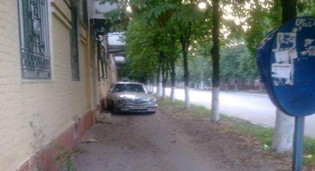 В ДТП на проспекте Лунина пострадал рекламный щит (ФОТО), фото-1