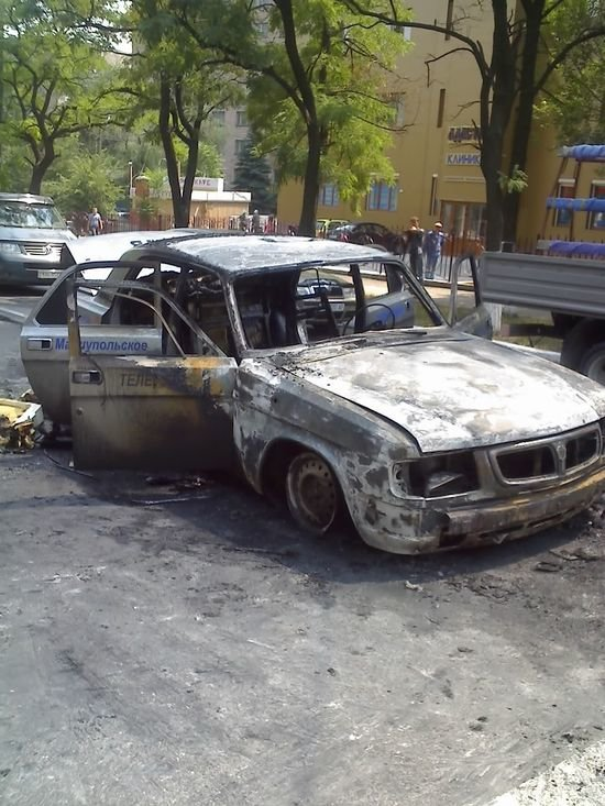 На пересечении Нахимова и Апатова сгорела машина Мариупольского телевидения (ФОТО), фото-1