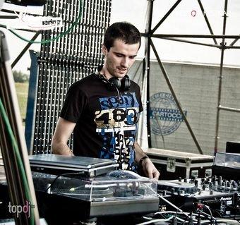 Молодой мариупольский ди-джей открывал мировой фестиваль электронной музыки (ФОТО), фото-1