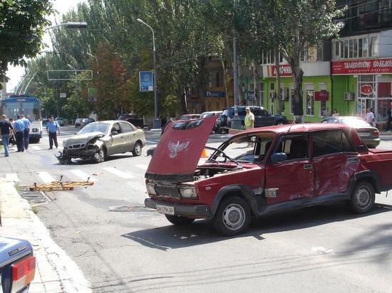 В Мариуполе неработающий светофор стал причиной тройного ДТП? (ФОТО), фото-1