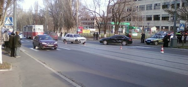 В Мариуполе ВАЗ протаранил «хонду» (ФОТО), фото-1