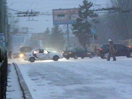 В Мариуполе из-за непогоды без света остались около 6 тысяч потребителей, фото-1