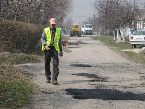 Дороге к храму на Черемушках делают латочный ремонт (ФОТО), фото-1