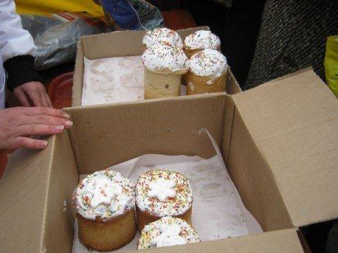 На ярмарках в Мариуполе раскупили все куличи (ФОТО), фото-1