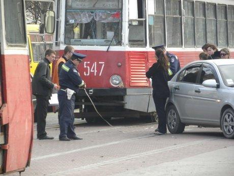 На проспекте Металлургов стоят трамваи (ФОТО), фото-1