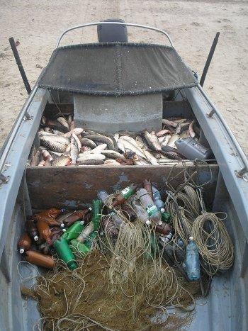 Возле Мариуполя задержали браконьерскую лодку (ФОТО), фото-1