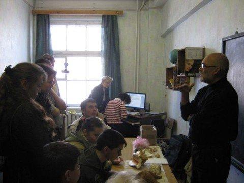 В Мариупольском обществе слепых прошел еще один «осязательный» урок (ФОТО), фото-1