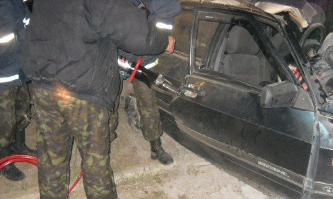 Страшное ДТП в  Мариуполе: погиб молодой водитель, 15-летняя пассажирка -  в больнице (ФОТО), фото-1