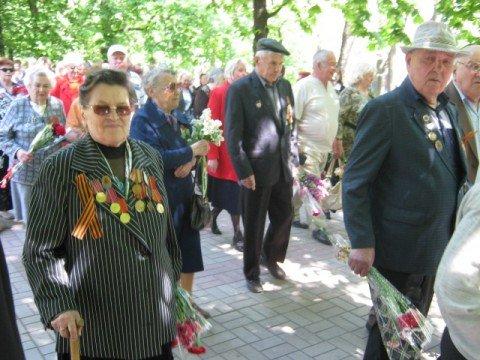 Мариупольский митрополит приобрел 6 км Георгиевской ленты (ФОТО), фото-1