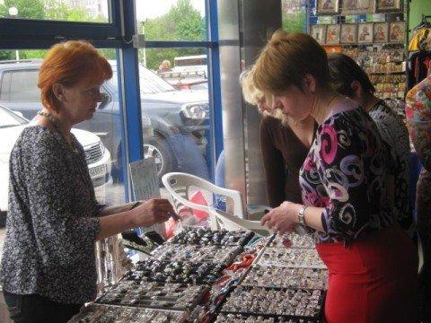 Сегодня мариупольцы посетили выставку-ярмарку, чтобы получить бесплатный сеанс массажа (ФОТО), фото-1