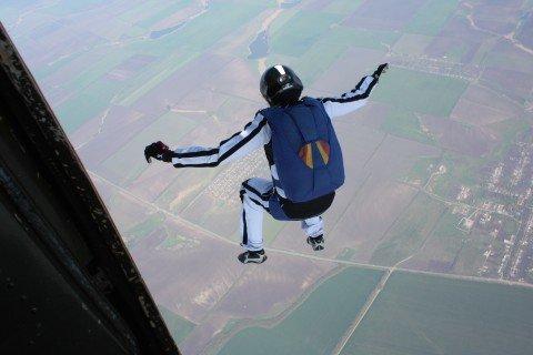 Мариупольские парашютисты готовятся наградить тысячного смельчака, фото-1