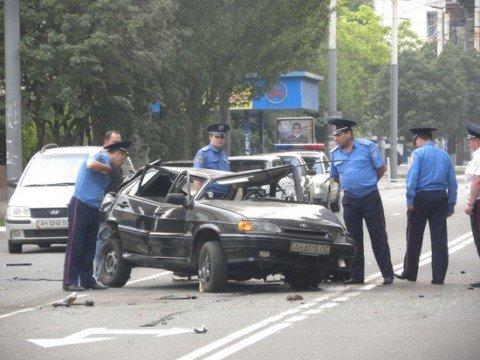 В Мариуполе в ДТП напротив горисполкома погибли парень и девушка (ФОТО), фото-1