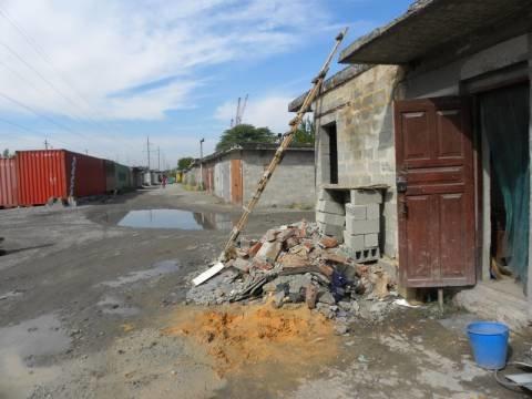 В Мариуполе гаражный кооператив зарабатывает на мусоре (ФОТО), фото-1