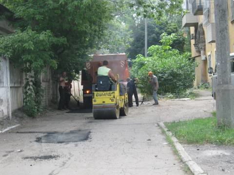 В Приморском районе уже «закатали» в асфальт 354 тысячи гривен (ФОТО), фото-1