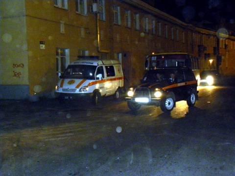 В Мариуполе упавший  бетонный столб на полтора часа перекрыл движение  транспорта (ФОТО), фото-1