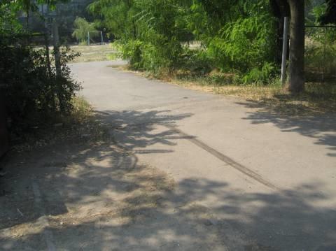 В Мариуполе джип въехал в бывший детский сад и сбил трехлетнюю девочку (ФОТО), фото-1