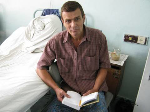 Сегодня в Мариуполь за потерявшим память мужчиной приехал брат, фото-1
