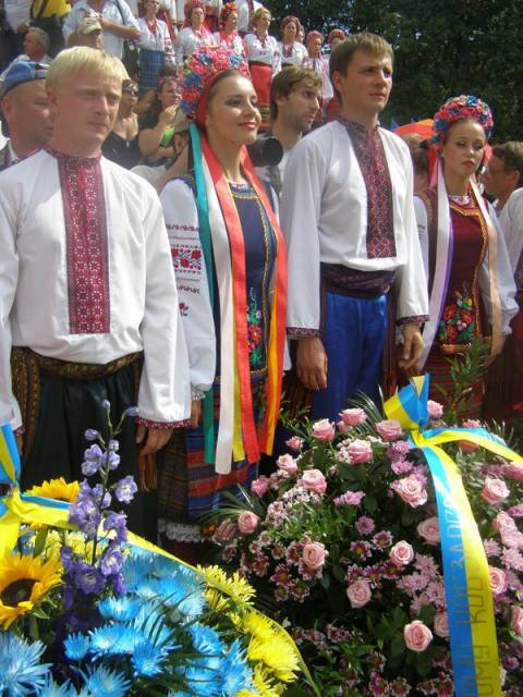 День независимости в столице: Януковича слушали избранные, а Тимошенко провела альтернативный митинг (ФОТО), фото-1