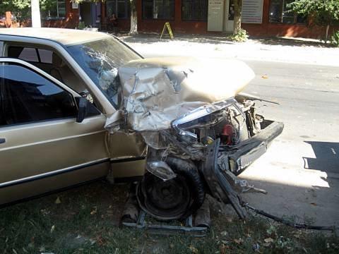 В Мариуполе «Mercedes» протаранил «Газель». Два человека оказались в больнице (ФОТО), фото-1