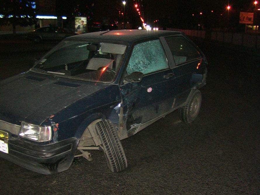 Две иномарки не поделили дорогу в Днепропетровске (Фото), фото-1