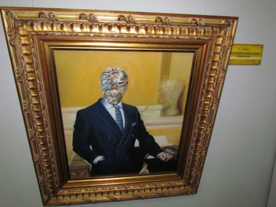 В Мариуполе презентовали выставку картин Никаса Сафронова (ФОТО), фото-4