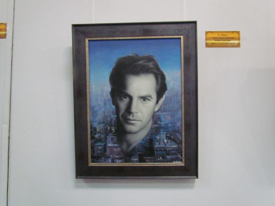В Мариуполе презентовали выставку картин Никаса Сафронова (ФОТО), фото-5