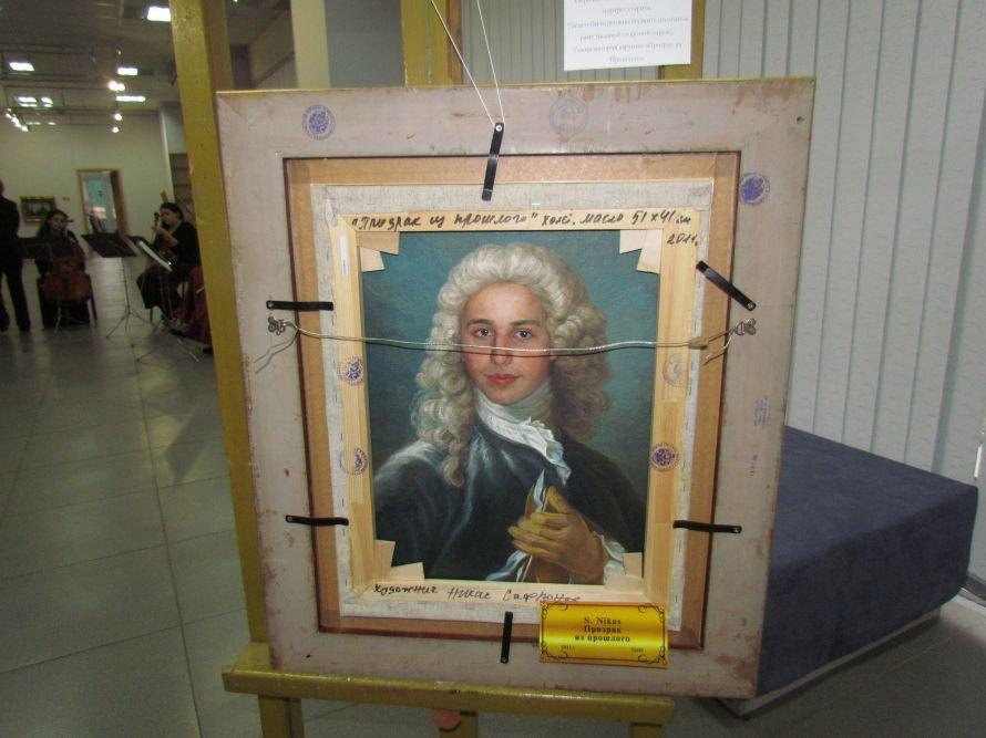В Мариуполе презентовали выставку картин Никаса Сафронова (ФОТО), фото-1