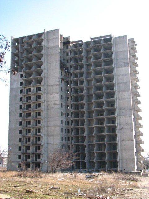 В Мариуполе 17-летняя девушка ушла в вечность из недостроенной 17-этажки (ФОТО) (Дополнено)), фото-1
