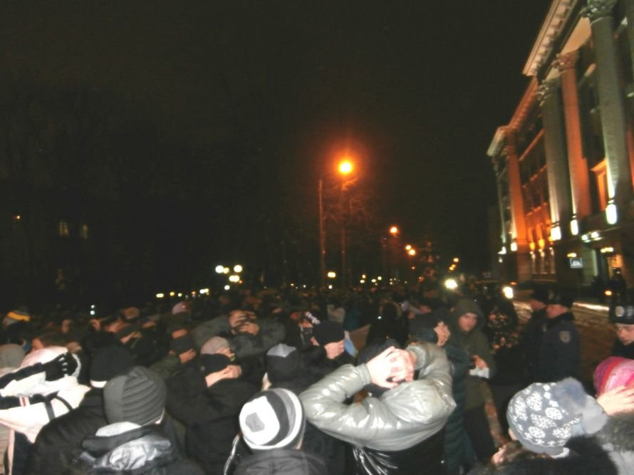 Милиционер: «Показали этим пид**сам как нужно себя вести». В Харькове произошла массовая драка между ультрас и правоохранителями (видео), фото-22