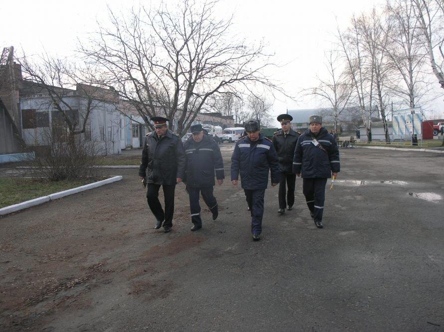 Днепропетровские спасатели учились «ходить» колонной и развертывать пункты обогрева (Фото), фото-2