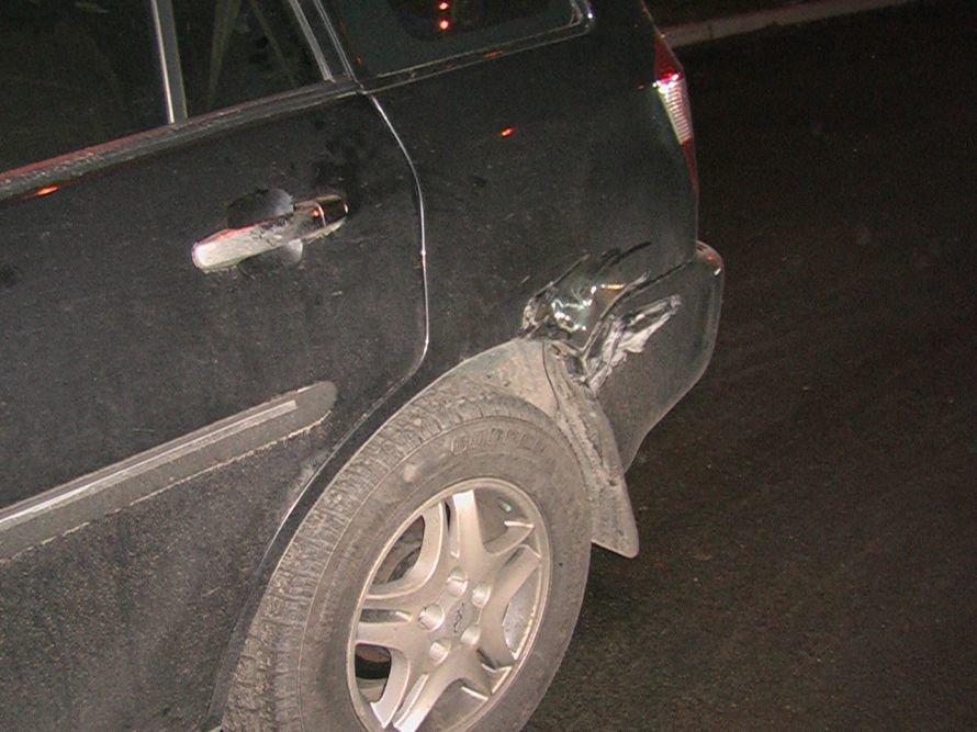 Три автомобиля не разминулись на широкой магистрали в Днепропетровске, фото-2