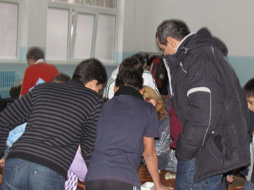 В Мариуполе детей-сирот отвлекали от компьютеров шахматами  (ФОТО), фото-4