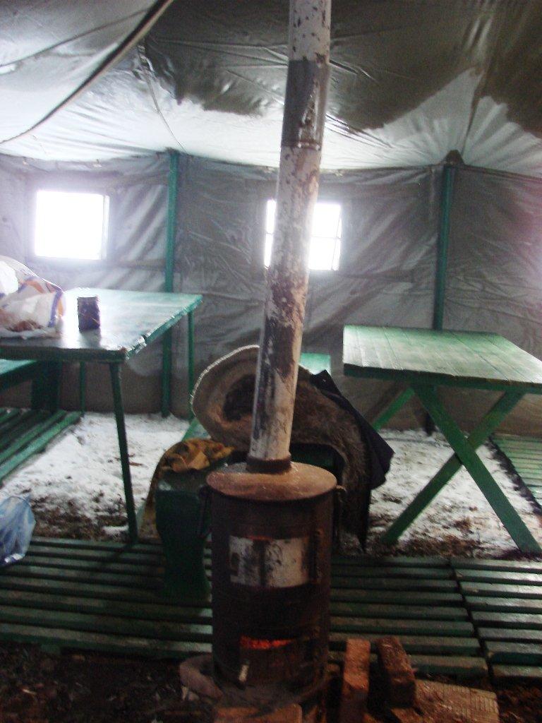 Артемовские бомжи перебираются в пункт обогрева, фото-3