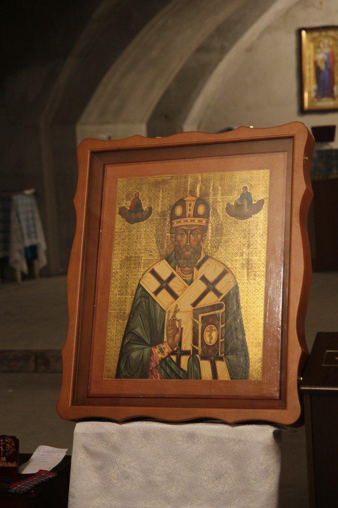 Днепропетровский священник подарил строящемуся Успенскому собору старинную икону (Фоторепортаж), фото-1