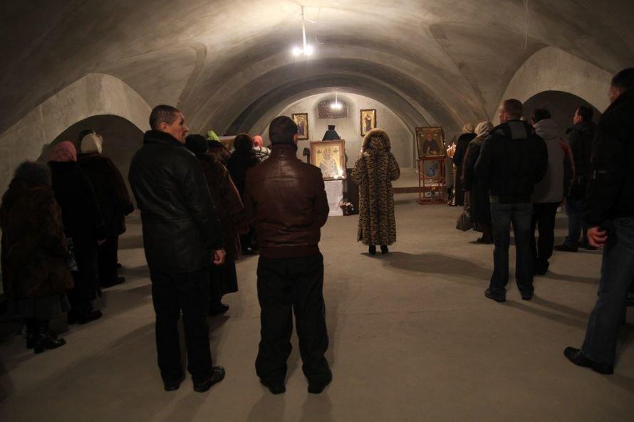 Днепропетровский священник подарил строящемуся Успенскому собору старинную икону (Фоторепортаж), фото-3