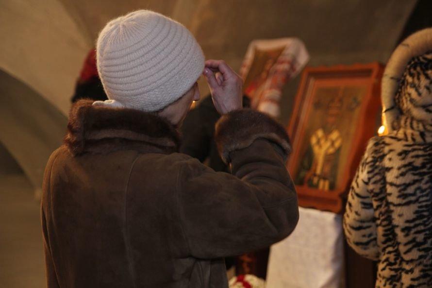 Днепропетровский священник подарил строящемуся Успенскому собору старинную икону (Фоторепортаж), фото-2