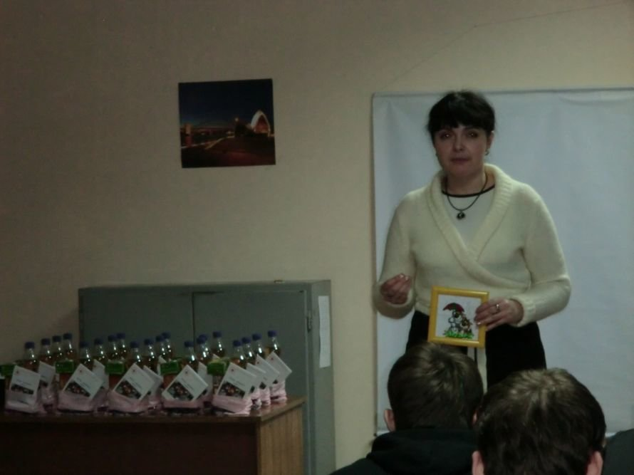 В Мариуполе осужденных накормили печеньем и развлекли рэпом (ФОТО), фото-3