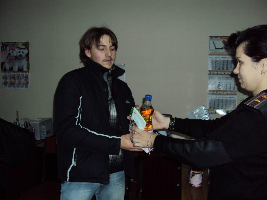 В Мариуполе осужденных накормили печеньем и развлекли рэпом (ФОТО), фото-1