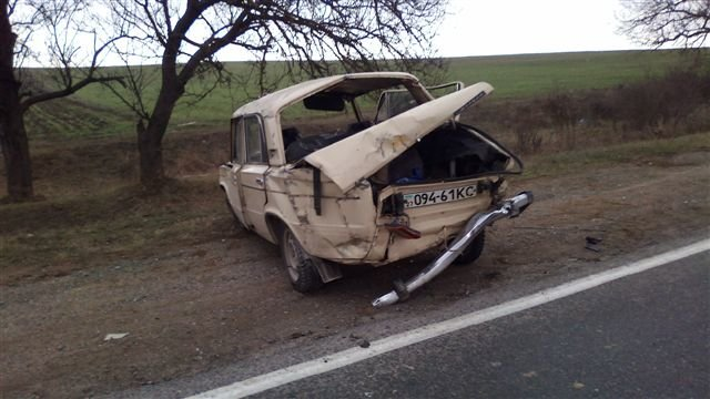 На крымской трассе перевернулась машина: двое пострадали, среди них – ребенок (фото), фото-3