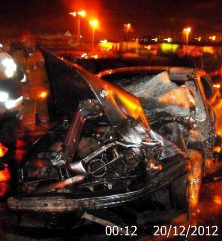 На выезде из Луганска произошло ДТП. 21-летний водитель в тяжелом состоянии (ФОТО), фото-1